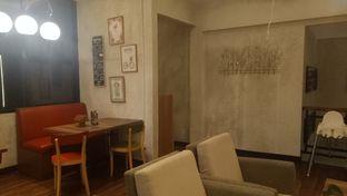 Foto 9 - Interior di De Cafe Rooftop Garden oleh Jocelin Muliawan