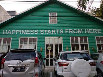 Foto Eksterior di Happiness Kitchen & Coffee