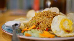 Foto 3 - Makanan(Nasi Goreng Spesial) di Babeh St oleh Rinarinatok