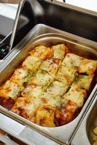 Foto 12 - Makanan(Vegetarian Lasagna) di Karumba Rooftop Rum Bar oleh Kevin Leonardi @makancengli