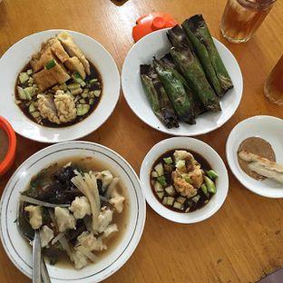 Foto 1 - Makanan di Pempek Apy oleh Selli Yang