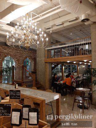 Foto 4 - Interior di Sajiva Coffee Company oleh Selfi Tan