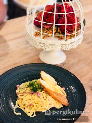 Foto 1 - Makanan(fettucini chicken mushroom) di Exquise Patisserie oleh Sienna Paramitha