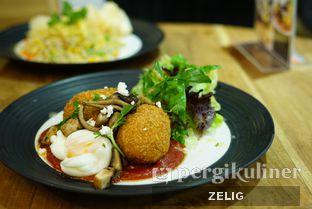 Foto 1 - Makanan di Kafe Hanara oleh @teddyzelig
