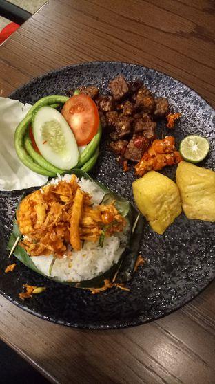 Foto 1 - Makanan di Putu Made oleh Ratu Aghnia