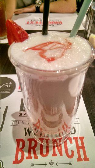 Foto review D'llyst Restaurant & Cafe oleh Indra Hadian Tjua 2