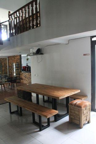 Foto 13 - Interior di Hidden Haus Coffee & Tea oleh Prido ZH