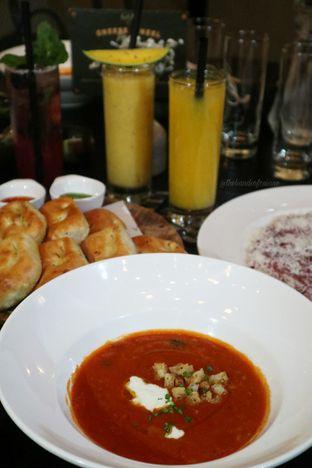 Foto 1 - Makanan di Gia Restaurant & Bar oleh thehandsofcuisine