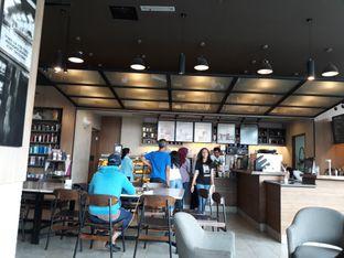 Foto 3 - Interior di Starbucks Coffee oleh Maissy  (@cici.adek.kuliner)