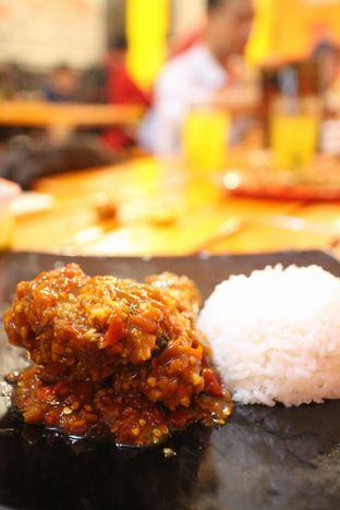 Foto 1 - Makanan di Ayam Goreng Nelongso oleh achmad al farisi