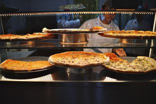 Foto 4 - Makanan(Pizza Selections) di Pizza Place oleh Fadhlur Rohman