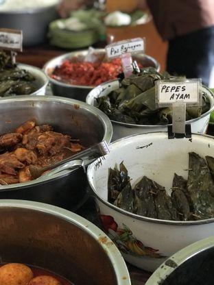 Foto 3 - Makanan di Nasi Jamblang Asli Khas Cirebon oleh Vicky Angdi