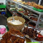 Foto Etalase makanan di Warteg Gang Mangga