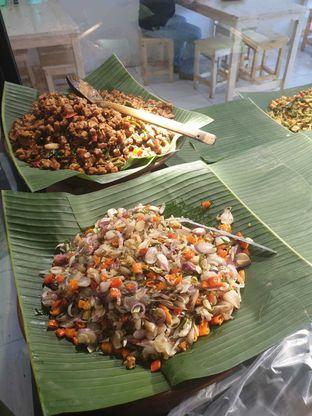 Foto 5 - Makanan di Nasi Pedas Bali Made oleh Duolaparr