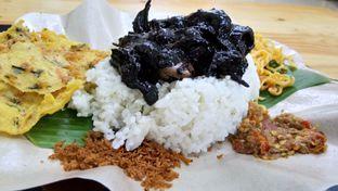 Foto 2 - Makanan(nasi cumi) di Nasi Cumi Hitam Madura Pak Kris oleh Komentator Isenk