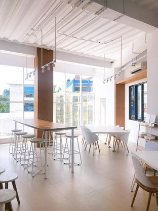 Foto 11 - Interior di Oi Coffee & Eatery oleh yudistira ishak abrar