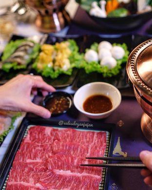 Foto 8 - Makanan di The Royal Pot oleh om doyanjajan