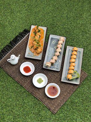 Foto 1 - Makanan di Baiza Sushi oleh feedthecat