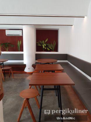 Foto 8 - Interior di Routine Coffee & Eatery oleh UrsAndNic