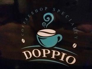 Foto 1 - Interior di Doppio Coffee oleh Vicky Angdi