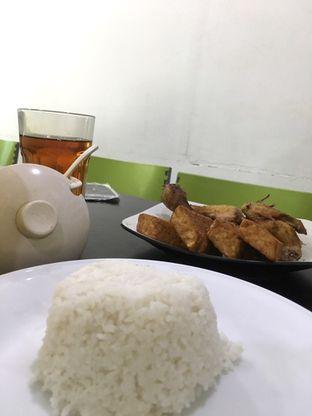 Foto 8 - Makanan di Ayam Goreng Berkah oleh Prido ZH