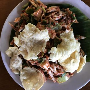 Foto 1 - Makanan(Karedok) di Gurih 7 oleh Pengembara Rasa