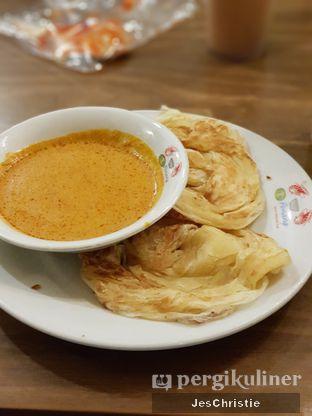 Foto 1 - Makanan(Roti Canai Kuah Kari) di Restaurant Penang oleh JC Wen