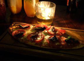 8 Bar di Jakarta Pusat yang Bikin Night Life Kamu Berkesan