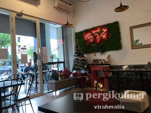 Foto 4 - Interior di Five Spice Eatery and Coffee oleh Delavira