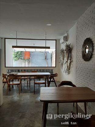 Foto 9 - Interior di Lanell Coffee oleh Selfi Tan