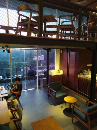 Foto 9 - Interior di Blue Lane Coffee oleh Anne Yonathan