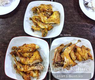 Foto 2 - Makanan di Ayam Goreng Berkah oleh Sidarta Buntoro