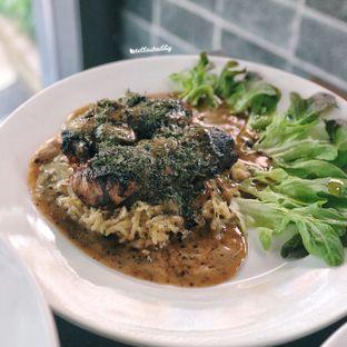 Foto 3 - Makanan(Garlic chicky pan) di Tamper Coffee oleh Stellachubby