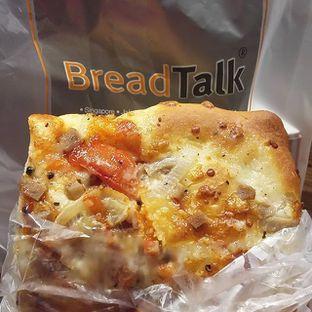 Foto 1 - Makanan(Beef millano) di BreadTalk oleh Erika  Amandasari
