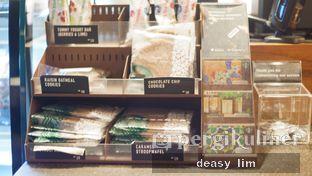 Foto 6 - Interior di Starbucks Coffee oleh Deasy Lim