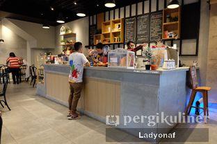Foto 6 - Interior di Daily Press Coffee oleh Ladyonaf @placetogoandeat