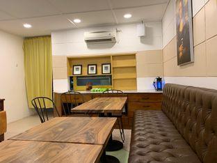 Foto 3 - Interior di Wake Cup Coffee oleh shasha