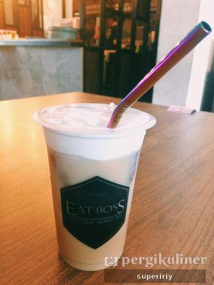 Foto 2 - Makanan(coffee w/ cream cheese) di Eat Boss oleh @supeririy