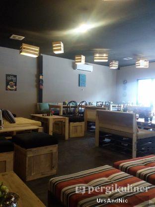 Foto 8 - Interior di Journey Coffee oleh UrsAndNic