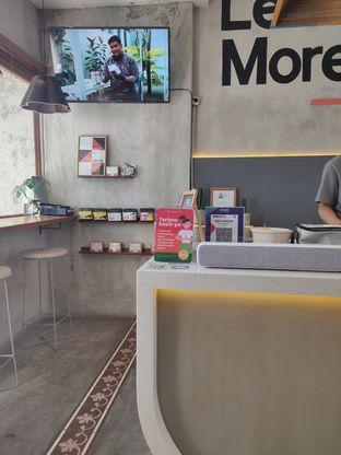 Foto 3 - Interior di Work Coffee oleh Suka Kopi & Ngemil