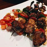 Foto Beef Tropical Skewer di TGI Fridays