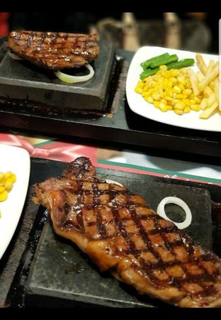 Foto 1 - Makanan di Street Steak oleh heiyika