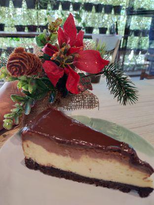 Foto 3 - Makanan(Nutella oreo cheese cake) di Popolo Coffee oleh Komentator Isenk