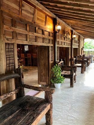 Foto 3 - Interior di LaWang Jogja Resto oleh kdsct