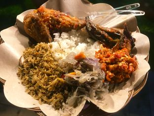 Foto 1 - Makanan di Master Nasi Pedas Bali oleh Levina JV (IG : @levina_eat & @levinajv)