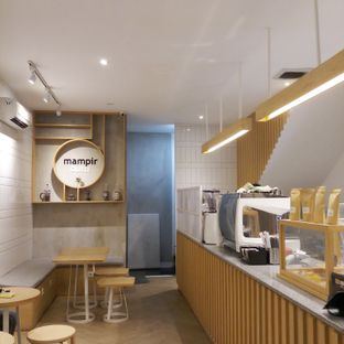 Foto 2 - Interior di Mampir Dulu Kedai Kopi oleh Dianty Hevy
