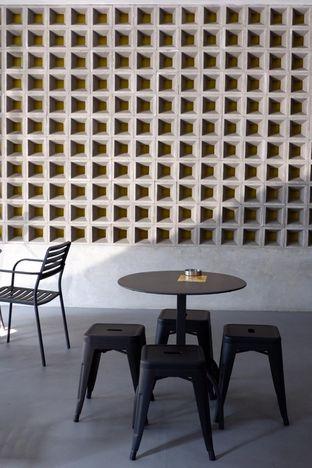 Foto 11 - Interior di Toebox Coffee oleh yudistira ishak abrar