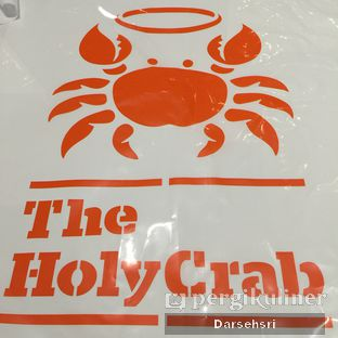 Foto 2 - Interior di The Holy Crab oleh Darsehsri Handayani