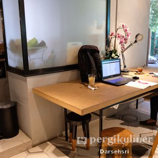 Foto 9 - Interior di Hygge Coffee oleh Darsehsri Handayani