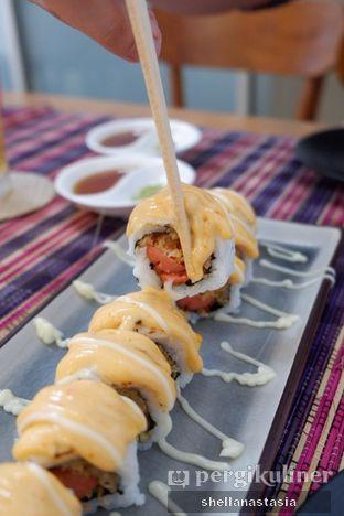 Foto 5 - Makanan(Chezy Sosis Roll) di Baiza Sushi oleh Shella Anastasia